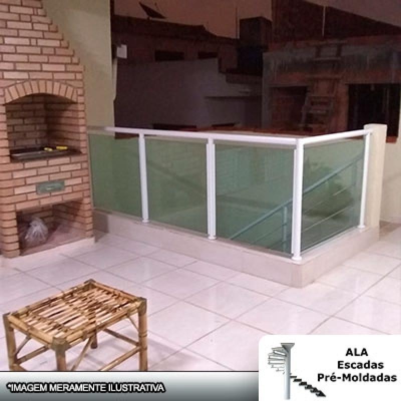 Corrimão Alumínio com Vidro Verde Orçar Macedo - Corrimão Alumínio