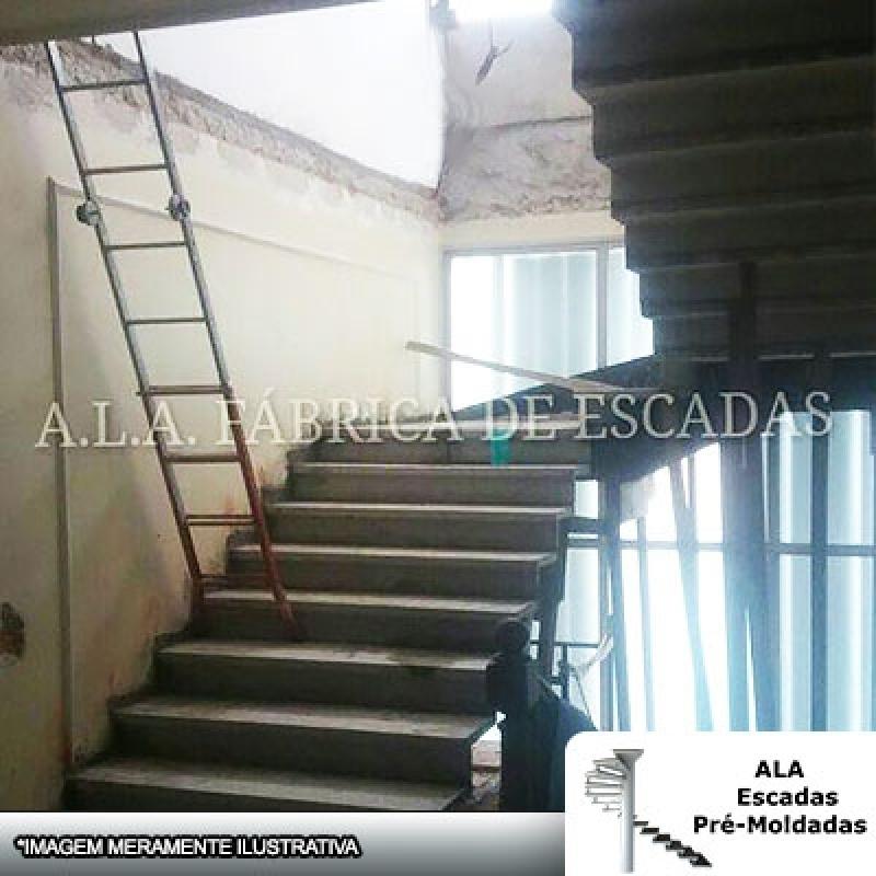 Escada em U Cascata Aeroporto de Guarulhos - Escada em U em Leque