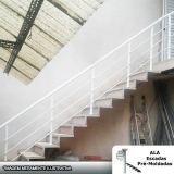 comprar escada pré fabricada reta com descanso Água Azul