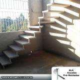 empresa para comprar escada pré fabricada em l com patamar Monte Carmelo