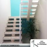 escada em u com viga central Cotia
