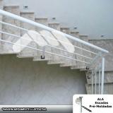 escada pré fabricada em l com patamar Bosque Maia