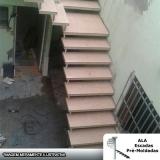escada pré moldada com piso Jardim Maria Helena