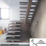 escada pré moldada com viga central Jandira