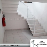 escada pré moldada com corrimão