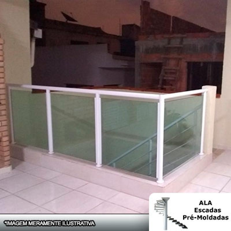 Valor de Corrimão Alumínio com Vidro Verde Poá - Corrimão Alumínio